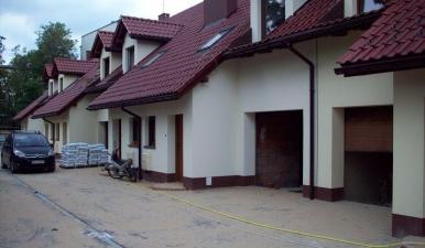 Zabudowa szeregowa 9 budynków mieszkalnych jednorodzinnych