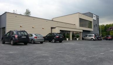 Budynek restauracji wraz z częścią biurowo - hotelową